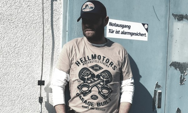 Herren T-Shirt Old School Garage Built hellgrau